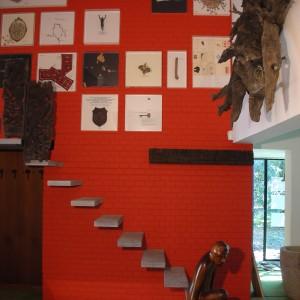 La scala che porta alle 3 stanze per gli ospiti al piano ammezzato